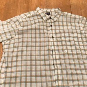 Patagonia Men's sz XL button down shirt
